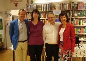 v.l.n.r.: Roland Bösel, Sonja u. Martin Rotter, Sabine Bösel (Buchhandlung Frick)