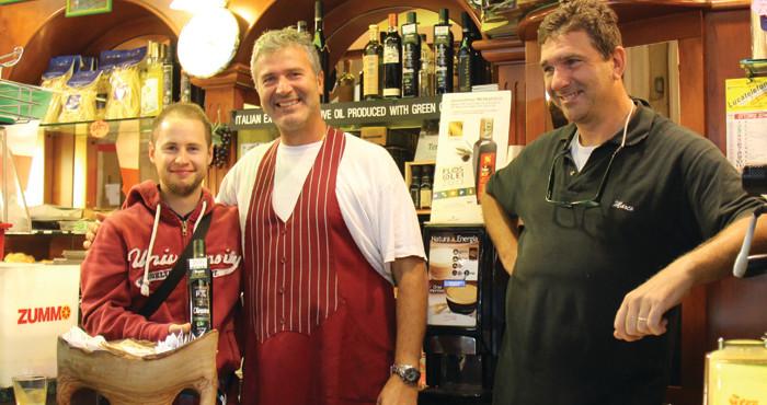 Olive Oil Bar Livorno - Silvan Brun von evoo ag mit Alessandro und Marco Camici