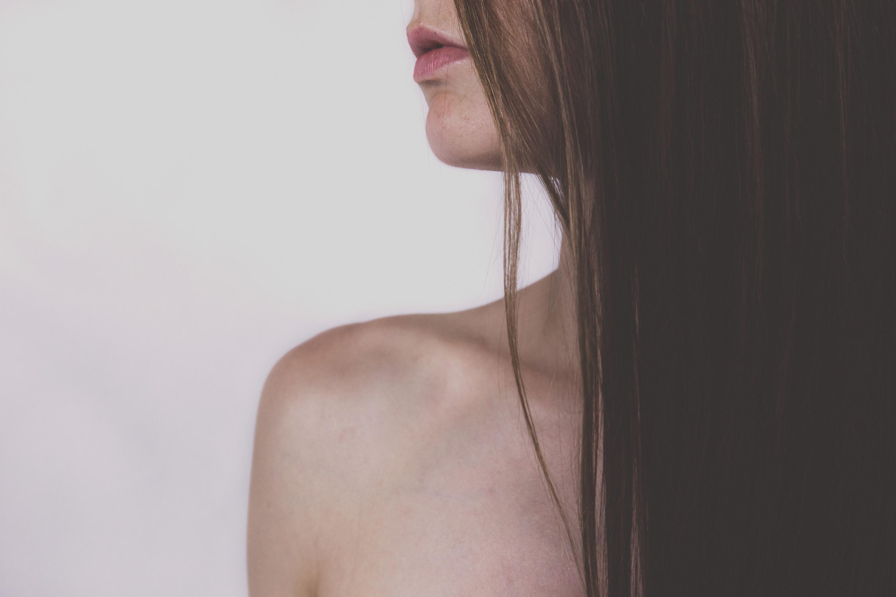 routine capillaire, prendre soin de ses cheveux, huiles essentielles cheveux, no poo, cheveux vegan, vegan 06, coiffeur vegan