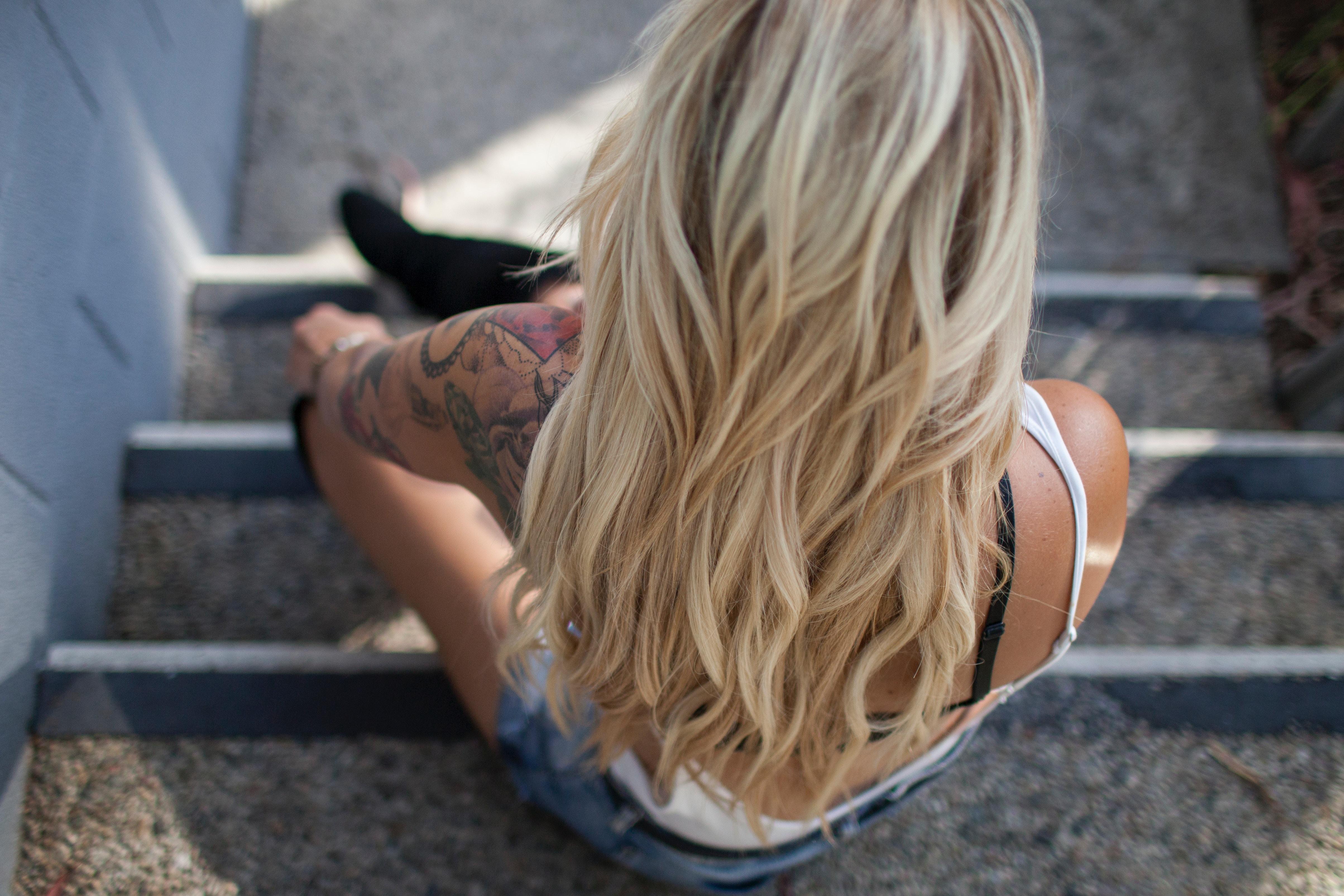 cheveux blond, blondir cheveux, cheveux camomille, éclaircir cheveux, cheveux soleil