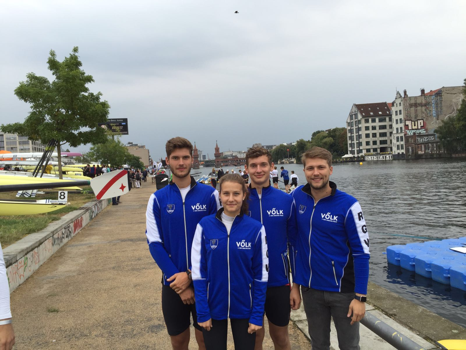 Schlagmann Till, Steuerfrau Elisa, Gabriel, Trainer Robert Gold
