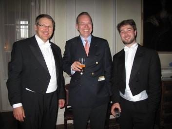 Beim Empfang im Neuwieder Schloss: KMD Thomas Schmidt , Carl Fürst zu Wied, Sebastian Poyault (von links nach rechts)