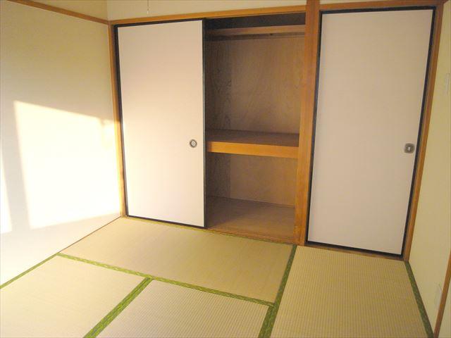和室(収納たっぷり)