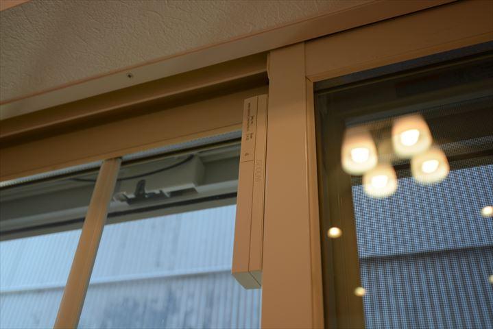 窓センサー