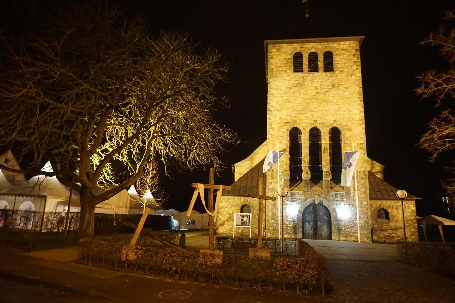 Der Passionsspielort St. Albertus-Magnus-Kirche