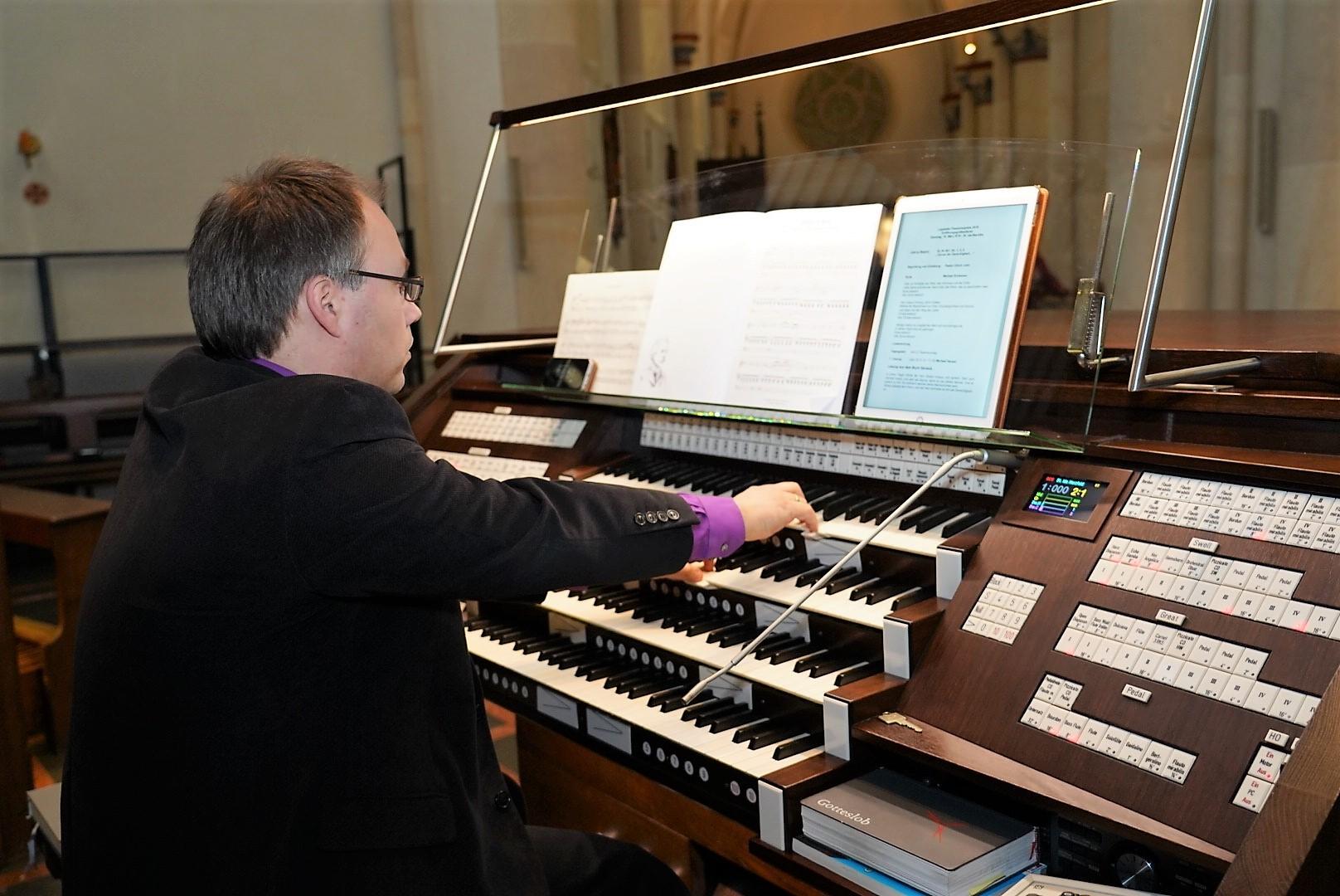 Basilikaorganist Jörg Bücker