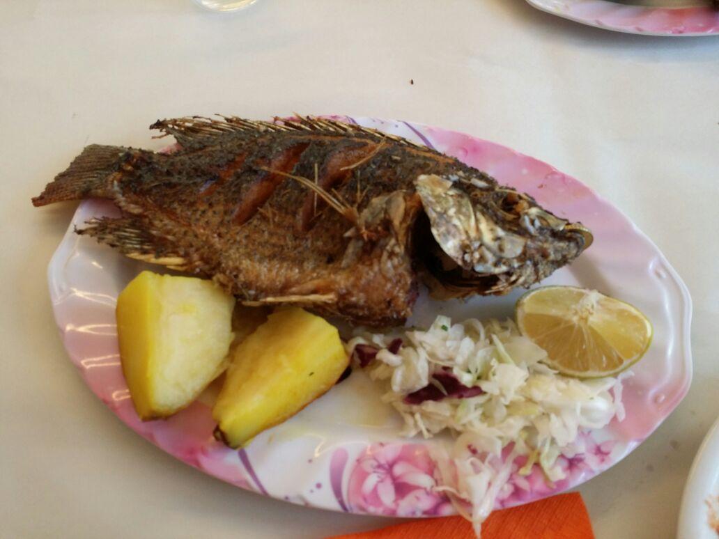 Der Petrusfisch wurde uns in einem Resaurant serviert