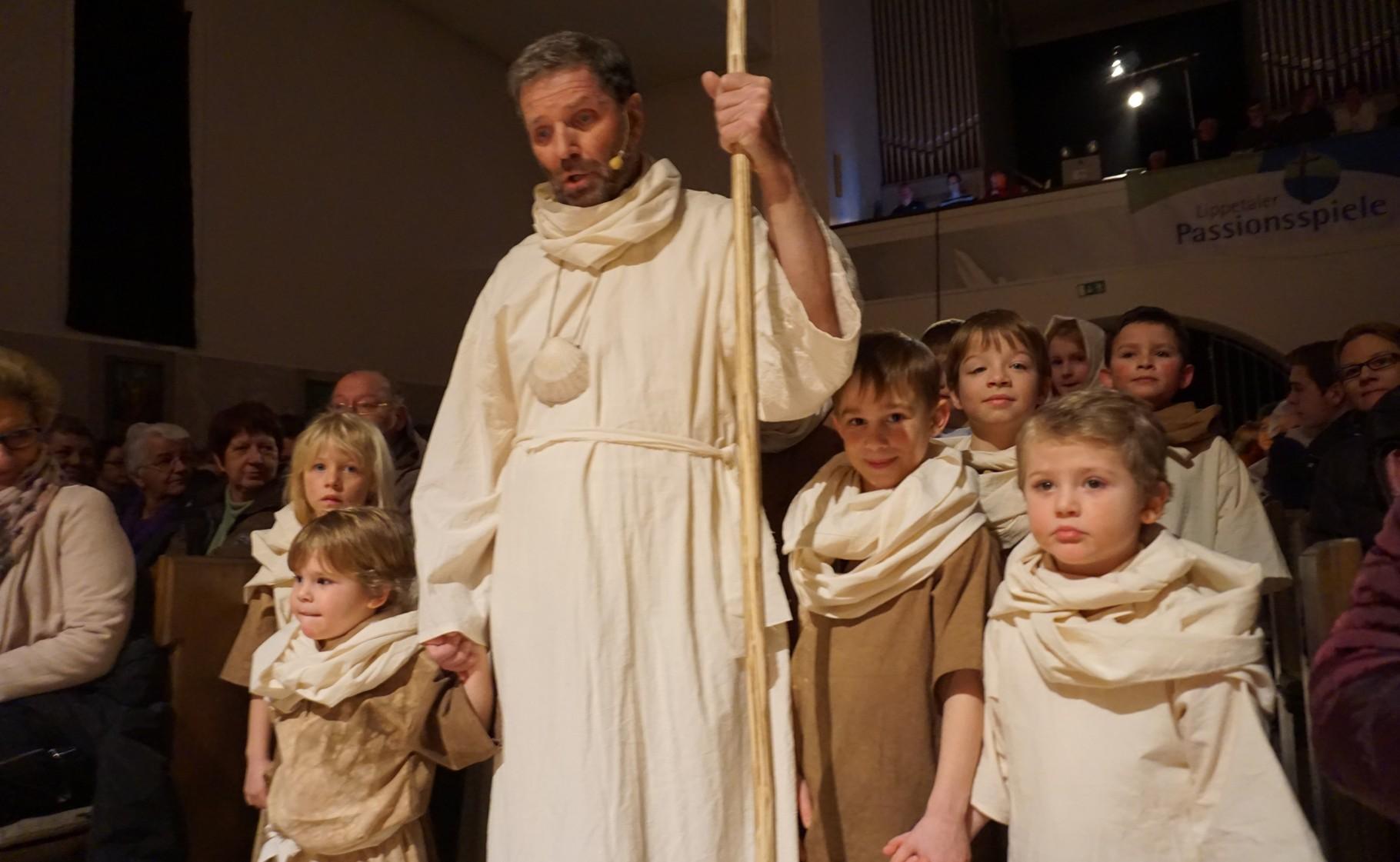 Die Kinder auf dem Weg zu Jesus