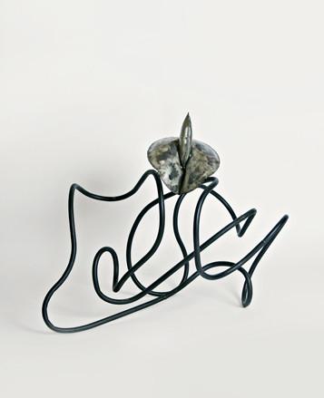 Lotosblüte, 90 x 62 x 70 cm, Eisen, Edelstahl, Kunstharzlack, 1998