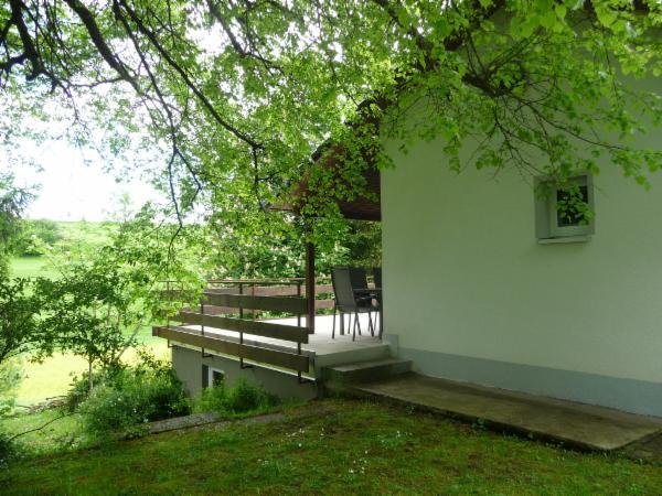 Ferienhaus Sam, separater Eingang zur Terrasse