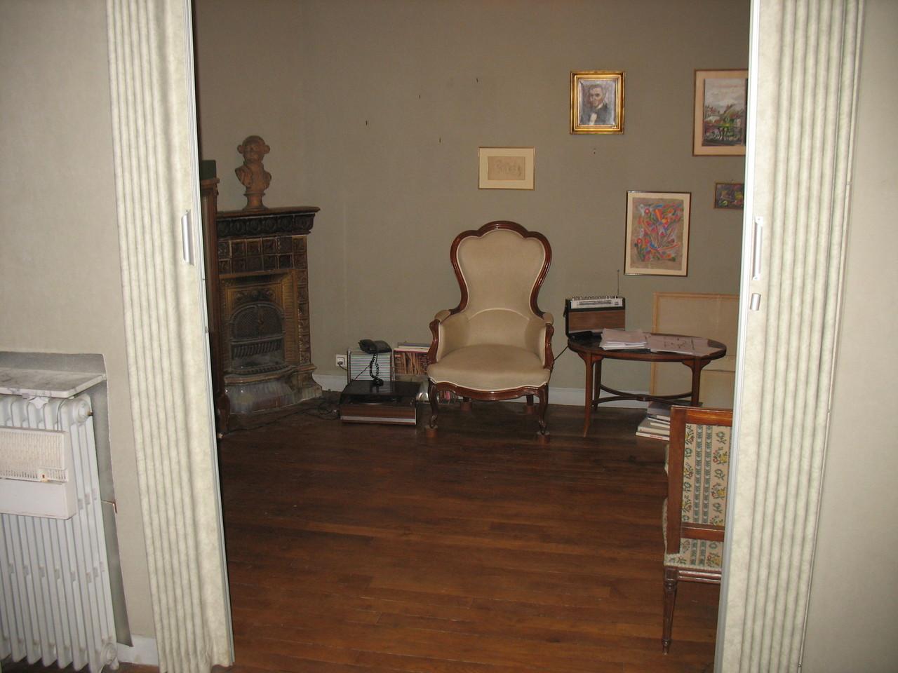 Before renovation: living room