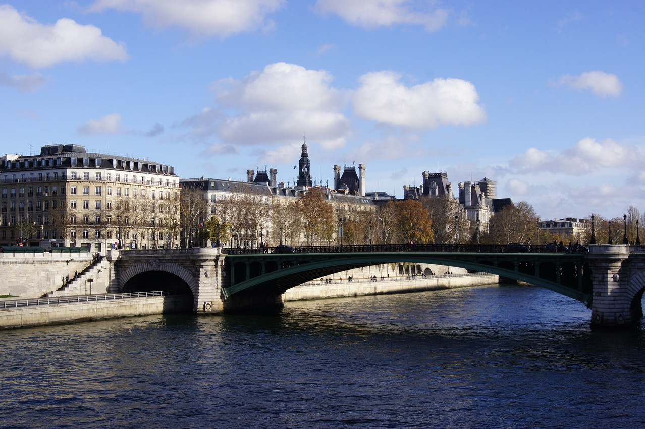 www.parisscarabee.com