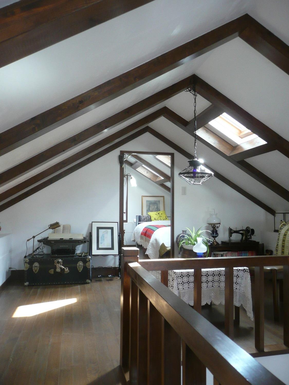 「屋根裏のあるレンガハウス」葉山の家