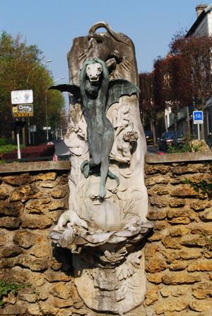 La fontaine Meurice, La femme aux Nénuphars