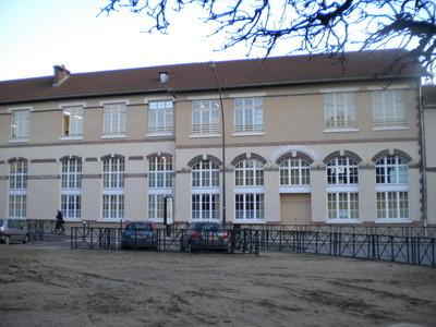 Les écoles place Général Leclerc
