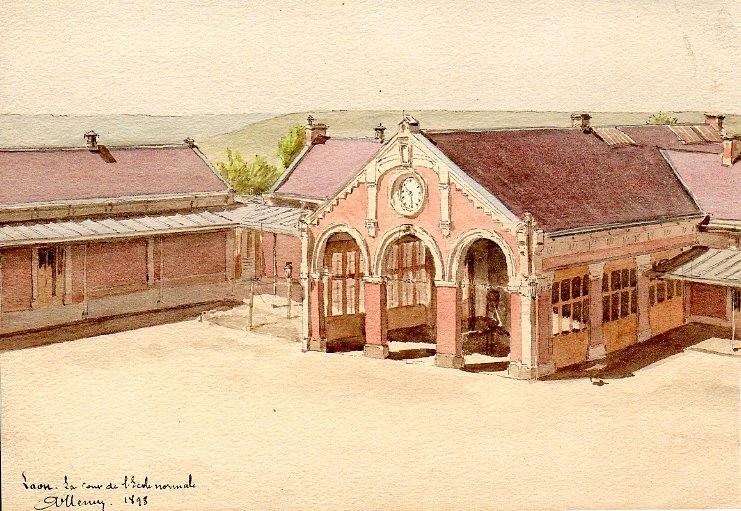 Laon - Cour de l'Ecole Normale - 1898