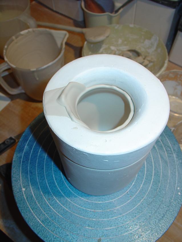 Porzellan ausgegossen