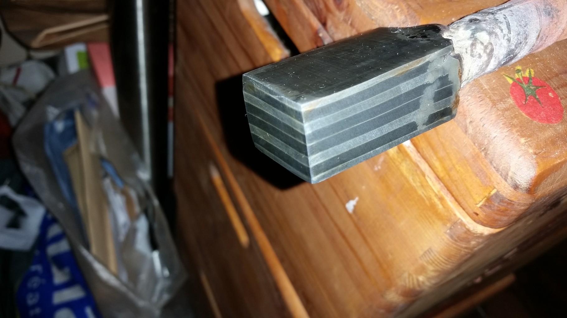 Trousseau d'acier xc75 et 90mcv8 pour réaliser une lame d'acier damassé