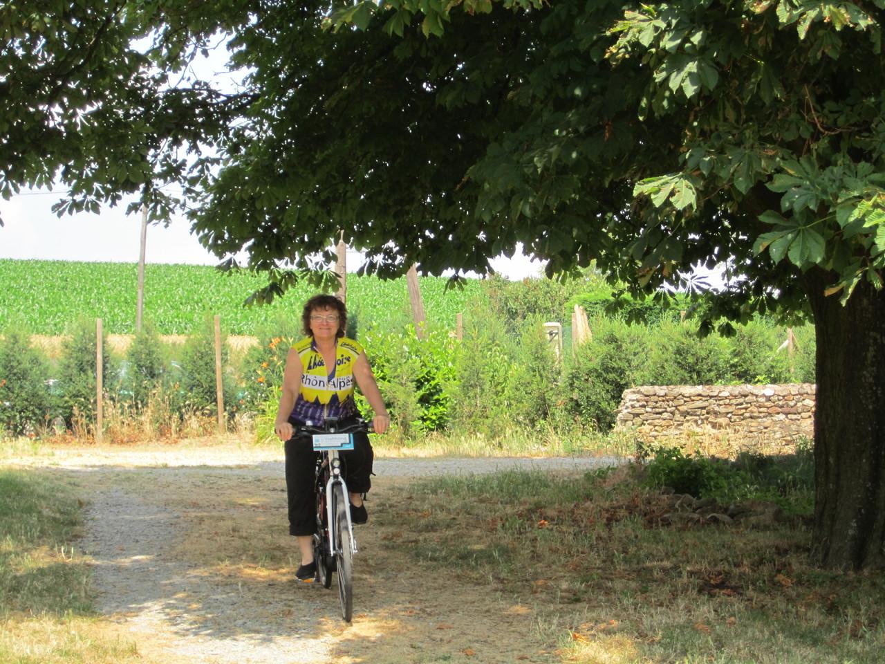 Arrivée au gîte en vélo à assistance électrique