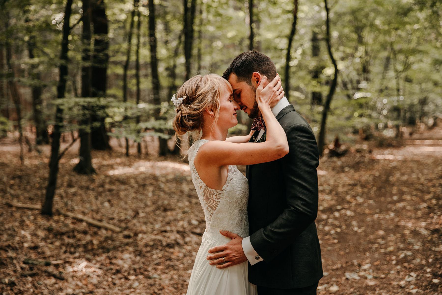 natürliche Brautpaarfoto Sachsenwald