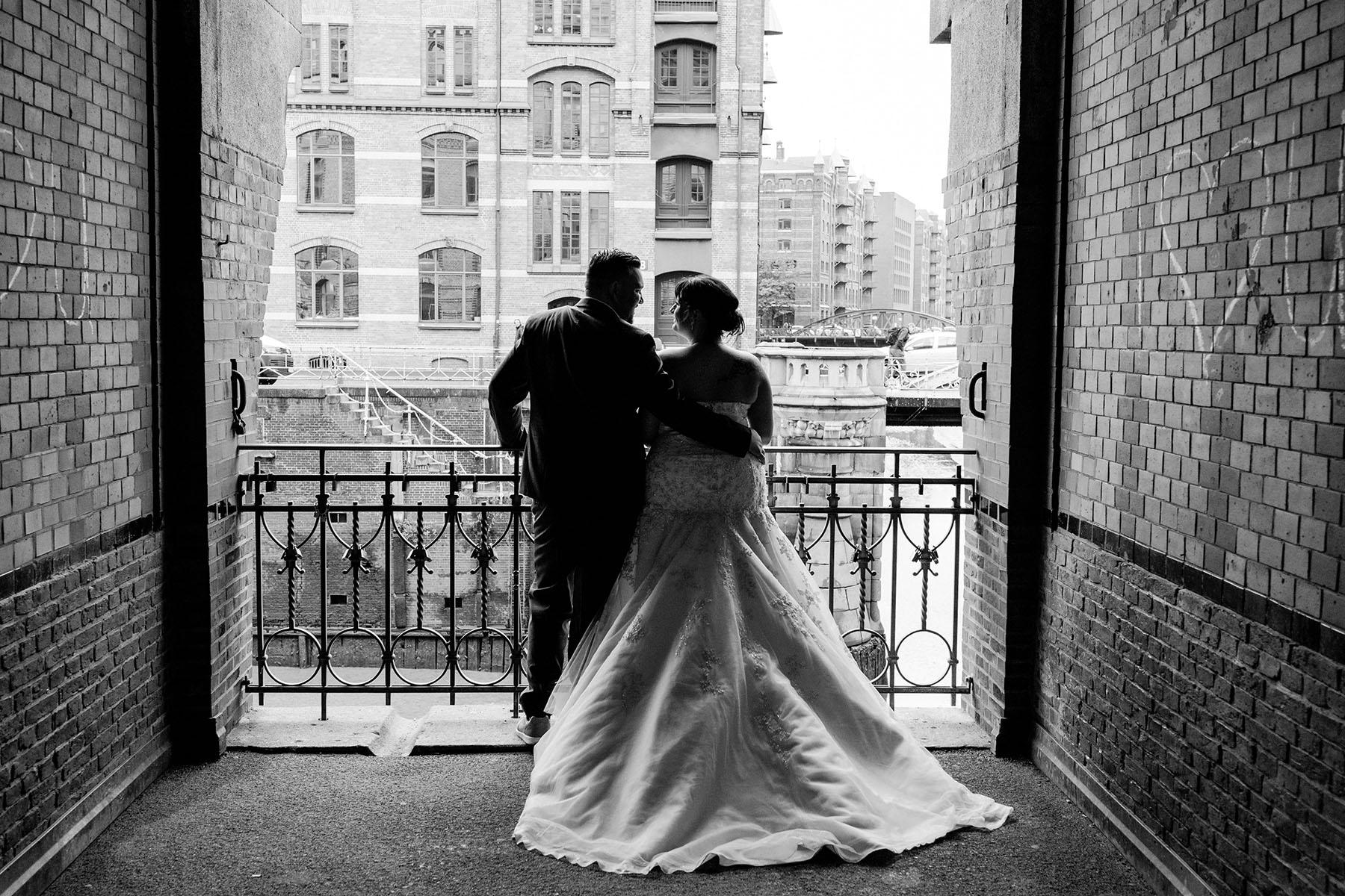 schwarz weiß Foto Hochzeit in der Speicherstadt