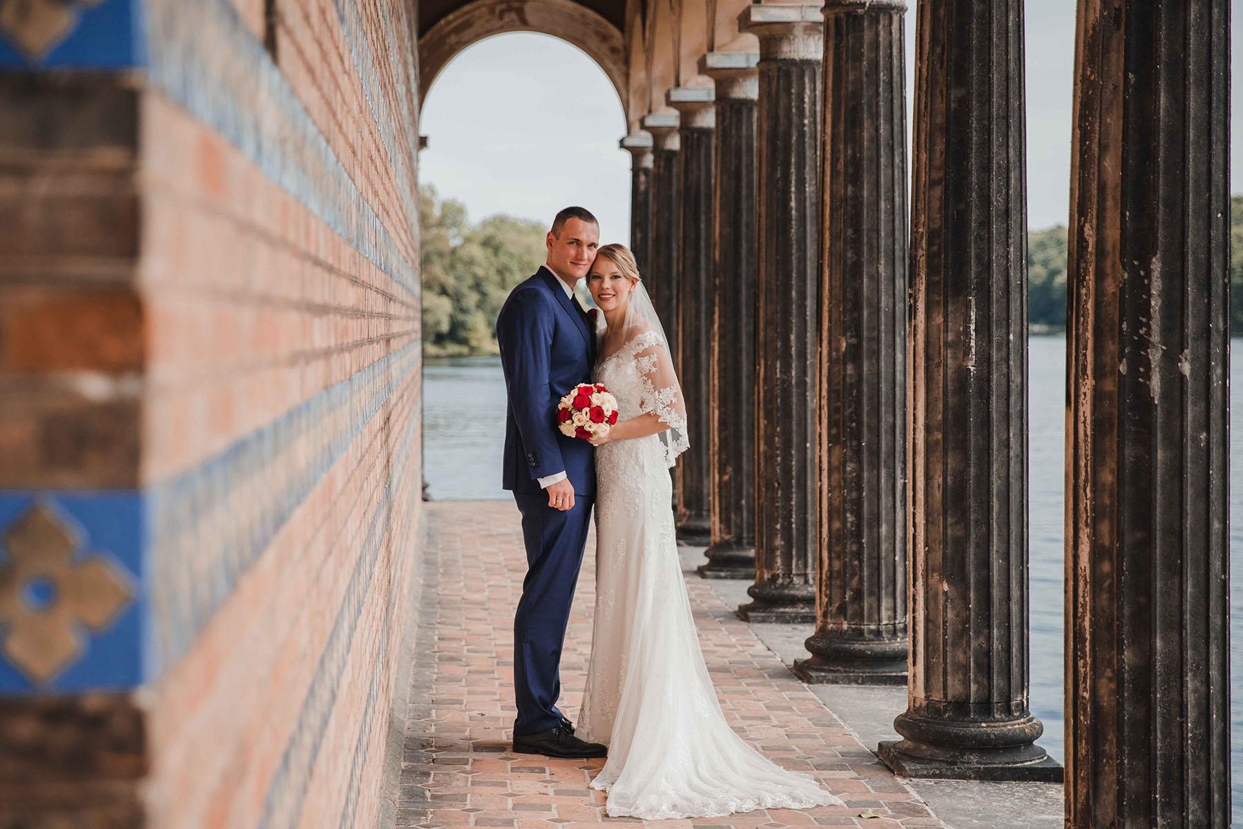Brautpaarfoto an der Heilandskirche Potsdam Sacrow