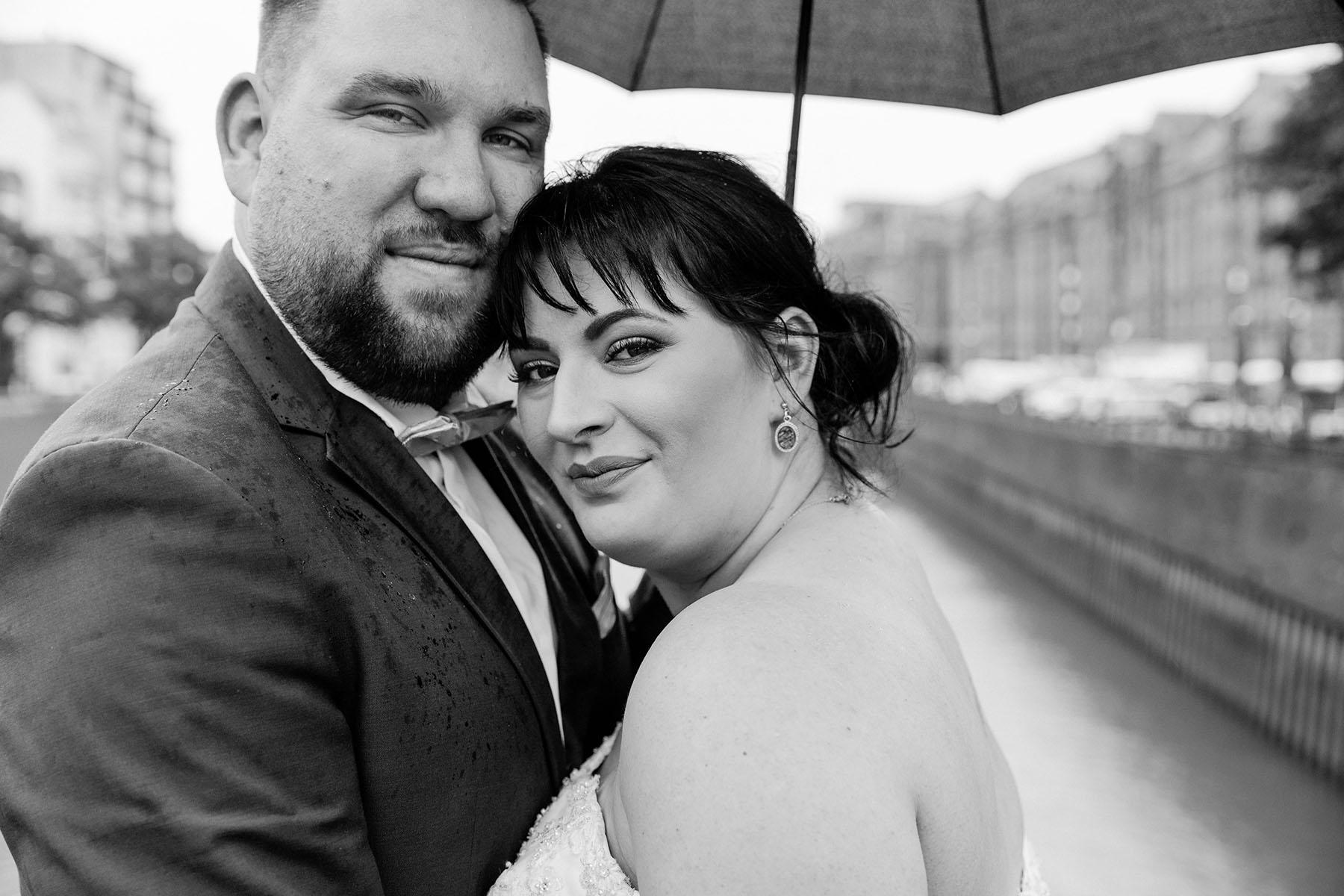 Hochzeit bei Regen HafenCity Hamburg