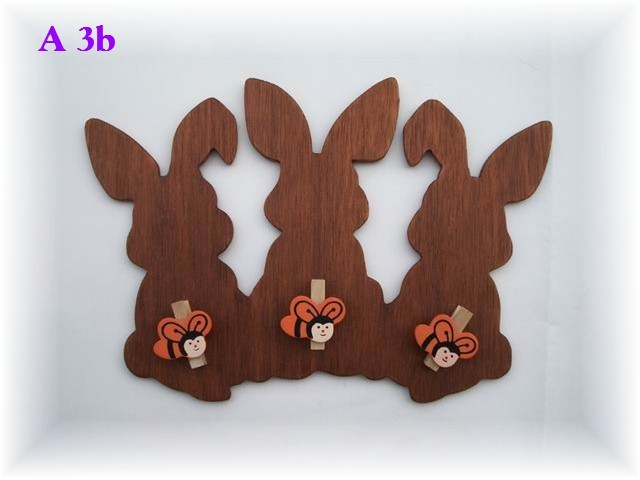 3 lapins avec 3 épingles à linge abeille (porte de chambre d'enfants)