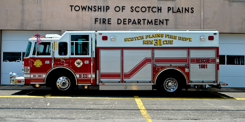 Rescue 1661: 1998 Pierce Heavy Rescue