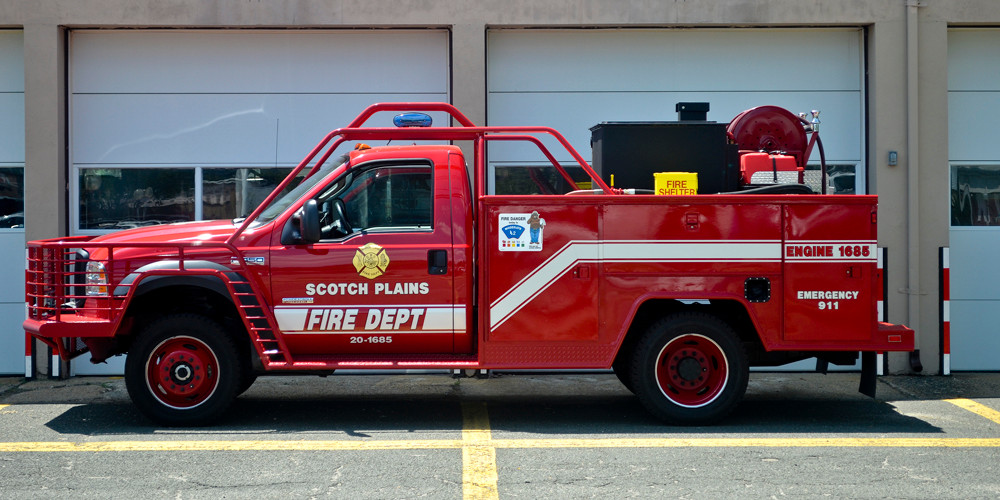 Engine 1685: 2007 Ford F-450 / Type 6 Wildland Engine