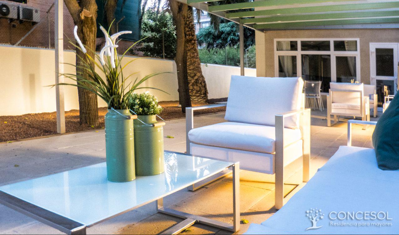 Exteriores y jardin acondicionado en La Residencia Concesol