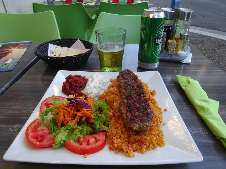 今度はイスラム系の料理です。久しぶりに満腹でした。