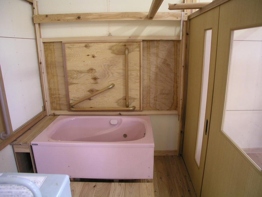 浴室の広さ確認巾1,820