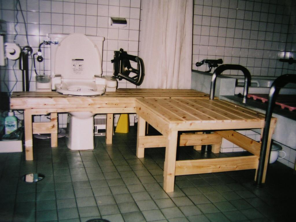 補助台を浴槽・トイレに使う