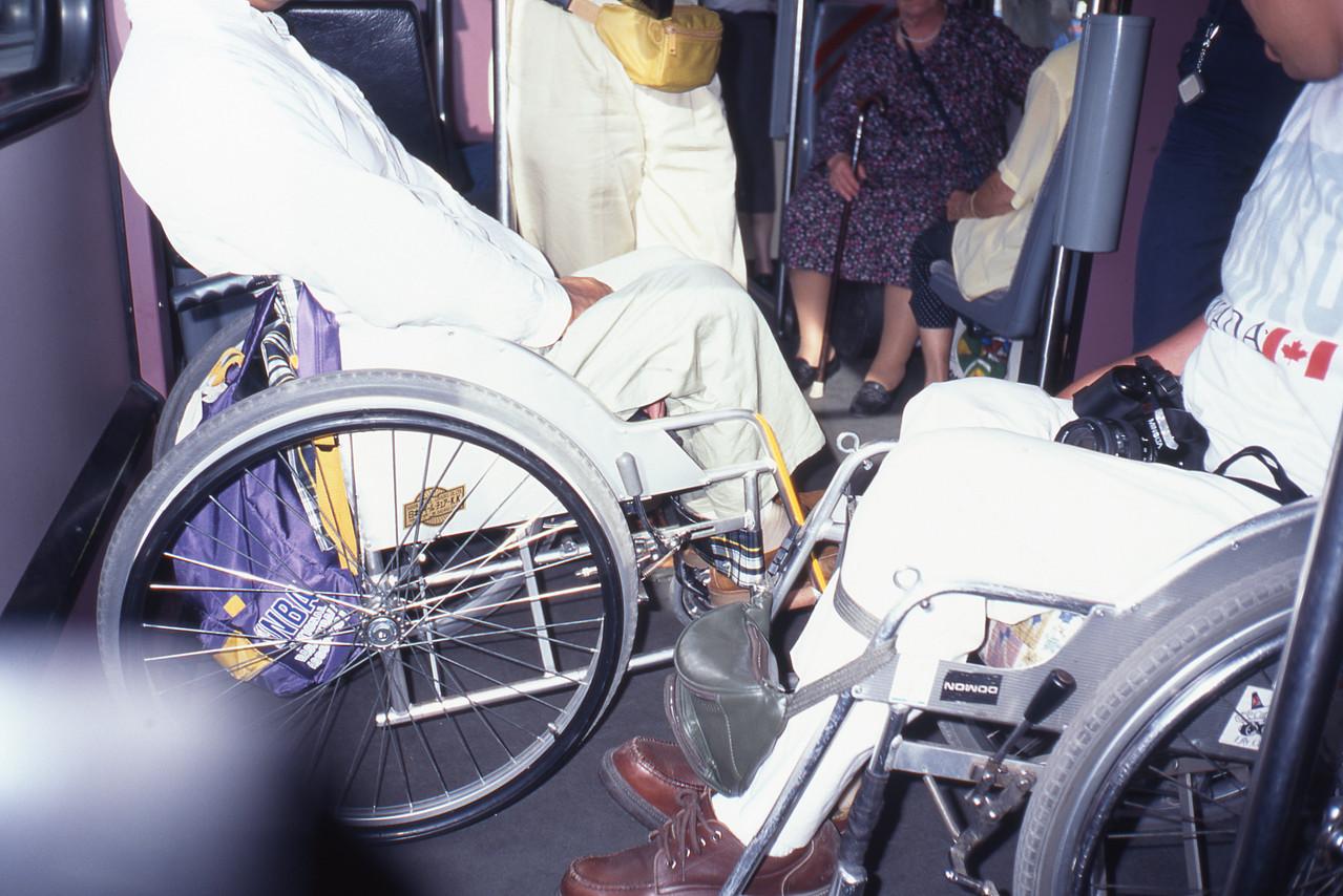 多くの車椅子が乗れます