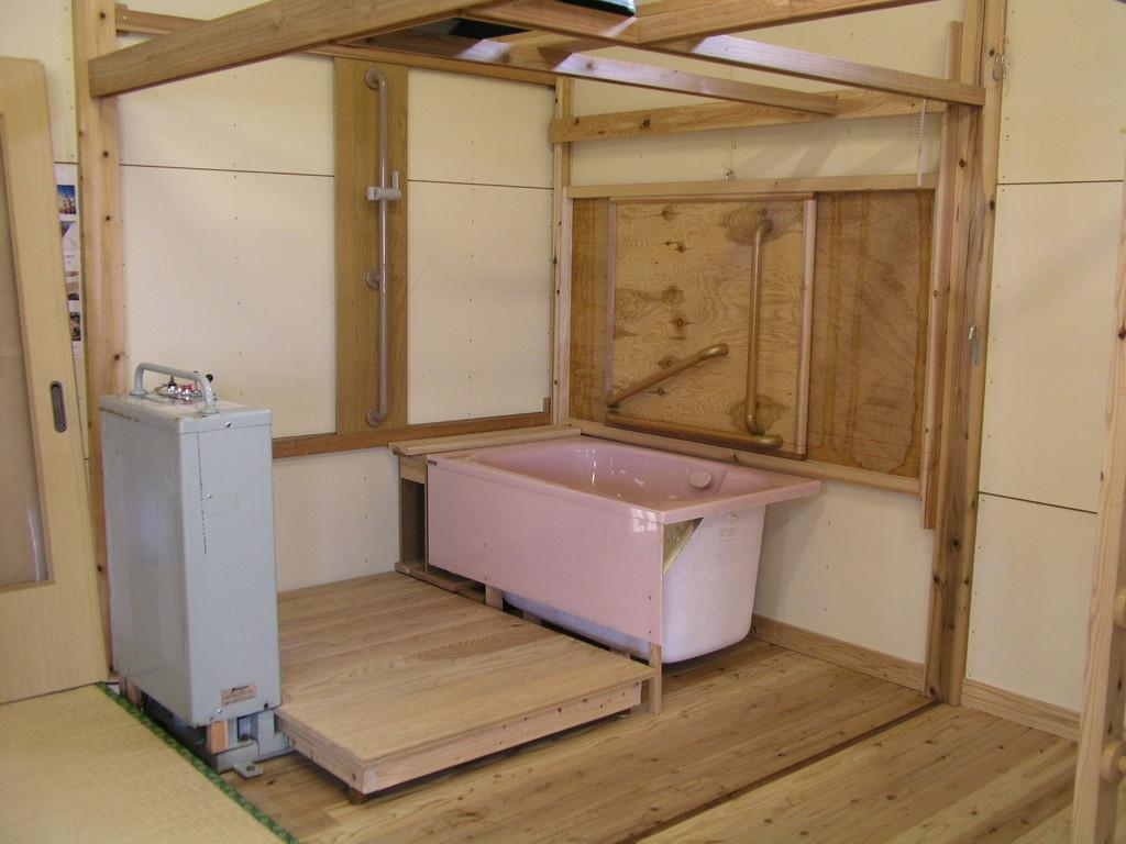 浴槽と、洗い場の高さの検討