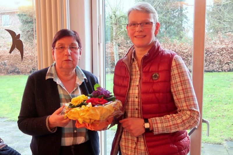 Doris Hinrichsen begrüßt Martina Reese, neue 1. stellvertretende Vorsitzende