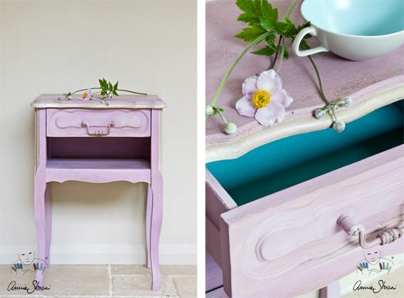 Das Photo zeigt ein kleines Möbelstück, das mit der Kreidefarbe Annie Sloan Chalkpaint im Farbton Henrietta gestrichen wurde
