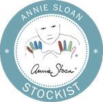 Auf dem Bild sieht man das Stockist Logo von Annie Sloan.