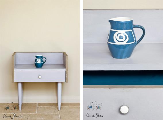 Man sieht auf dem Bild ein kleines Möbelstück, das mit der Kreidefarbe Annie Sloan Chalkpaint im Farbton Paloma gestrichen wurde