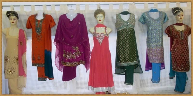 Suits in verschiedenen Farben