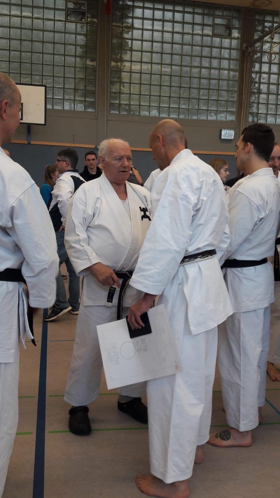 Karate Dan Prüfung von René Roese Glückwunsch zum 4.Dan und vielen Dank an den Partner Thomas Skwarr