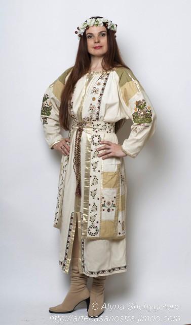 """l'abito per matrimonio """"Miele e ciliegie"""": cotone,seta,brocade,perline,lurex;ricamo   Proprietà privata(Canada)"""