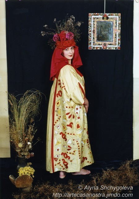 """Pysanka"": seta,applique,embroidery,perline   (foto di Sergey Kovalyov)"