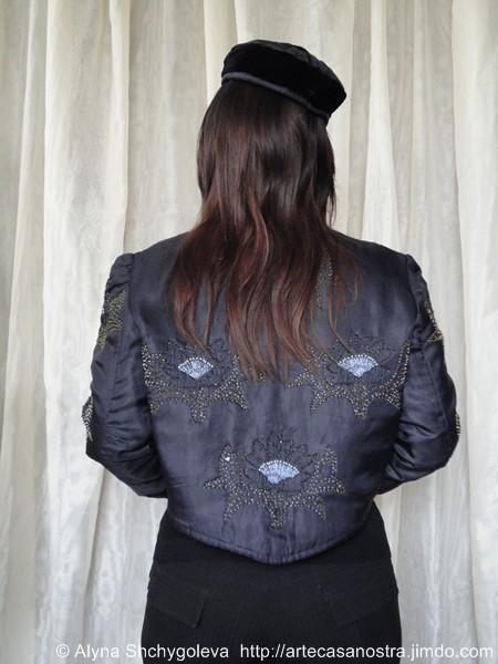 """dalla seria RASO (giacca,cappellino).""""Fiori di notte"""":raso,lurex,perline; embroidery,imbottito"""