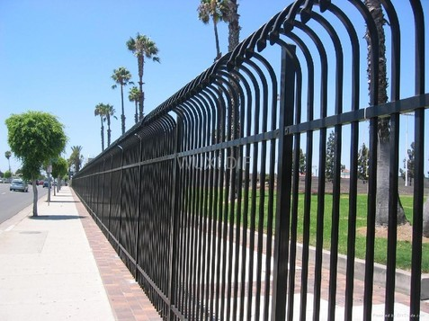 electrostatic spray painting fencing