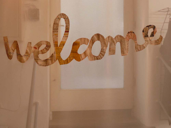 welcome curtain, newspaper tailed on drapery, 86,6 x 55,1 in, ICW and Morakot Ketklao 2008