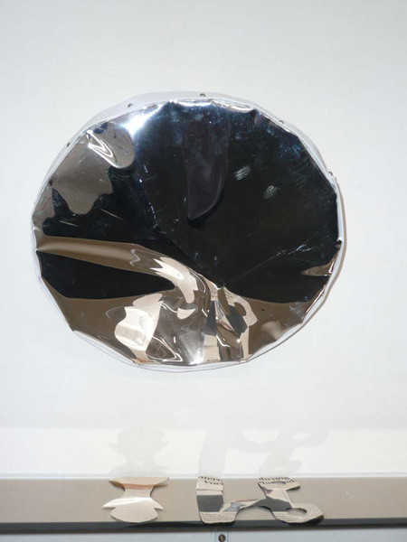 image-signs of contact, mixed-media with mirror foil, installation on the wall, diameter – mirror: 11.8 in, ICW and Morakot Ketklao 2008