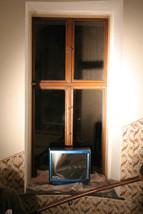 """""""becoming intimate"""" – Visual Art """"Getting a picture - das Werkzeug-Fenster zur Welt"""", mirror foil, Swarovski Crystals, television-body, glue, 15.7 x 12.5 x 7.9 in, ICW, 2007"""