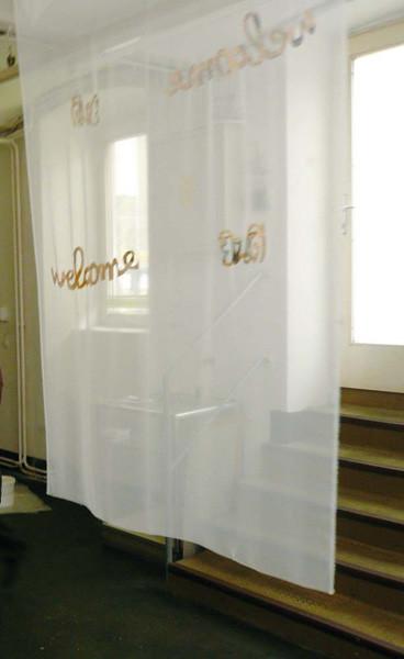 welcome curtain, Zeitung auf Stoff genäht, 220 x 140cm, ICW und Morakot Ketklao 2008